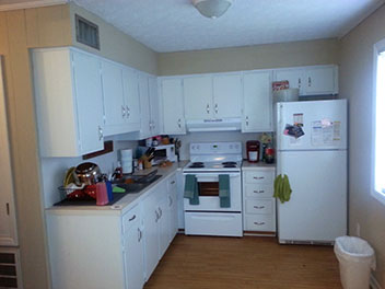 Kitchen of Broadway Apartments in Auburn, Alabama