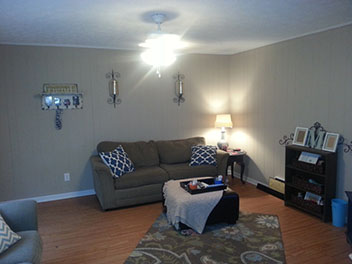 Living Room of Broadway Apartments in Auburn, Alabama