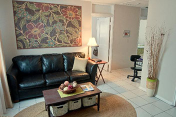 Living Room of The Columns Apartments in Auburn, Alabama