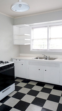 Kitchen of Edgewood Terrace Apartments in Homewood, Alabama