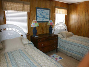 Guest bed #2 of Isle Call - Gulf Shores Beach House for Rent